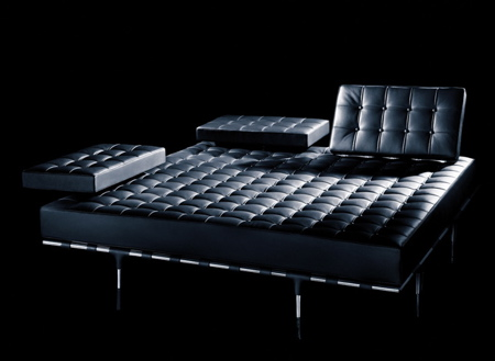 canap priv by starck cassina page 2. Black Bedroom Furniture Sets. Home Design Ideas
