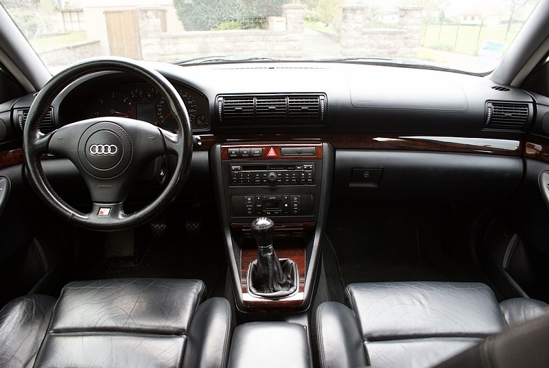 audi a4 2000 interieur id e d 39 image de voiture. Black Bedroom Furniture Sets. Home Design Ideas