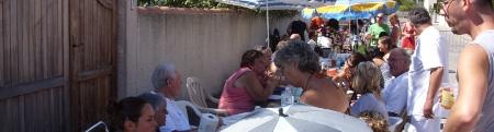 forum frontignan, repas de quartier aux aresquiers