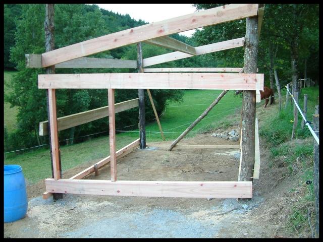 Construction d 39 un abri pour chevaux - Abri chevaux pas cher ...