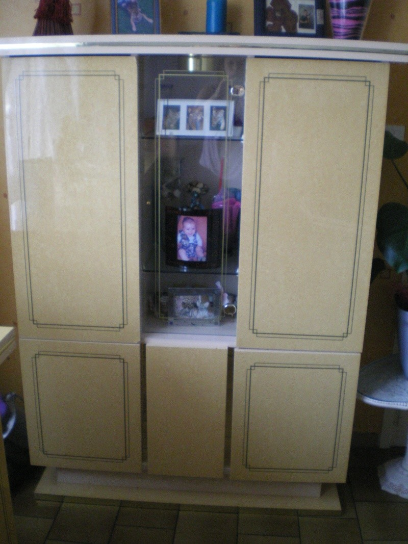 Repeindre des meubles rose laque est possible for Repeindre un meuble laque
