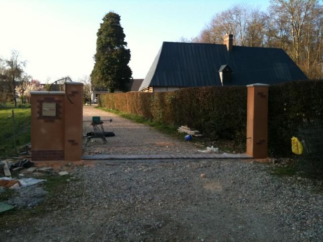 installation portail sur pilier forum jardin assainissement vrd syst me d. Black Bedroom Furniture Sets. Home Design Ideas