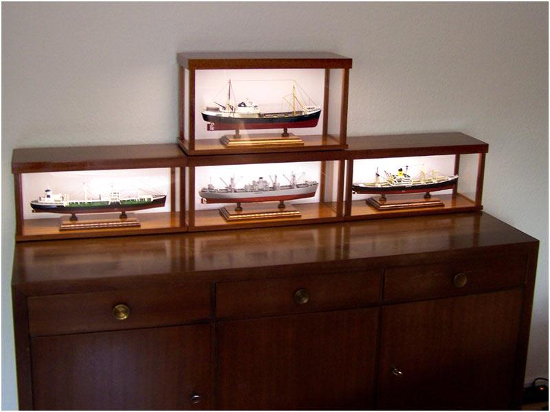 maritime vitrinen version 2 mit beleuchtung. Black Bedroom Furniture Sets. Home Design Ideas