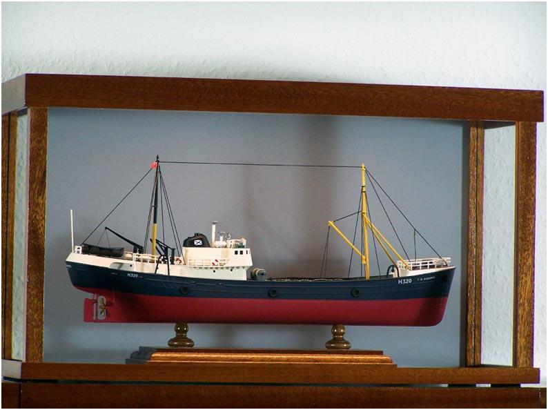 maritime vitrinen version 2 mit beleuchtung seite 2. Black Bedroom Furniture Sets. Home Design Ideas