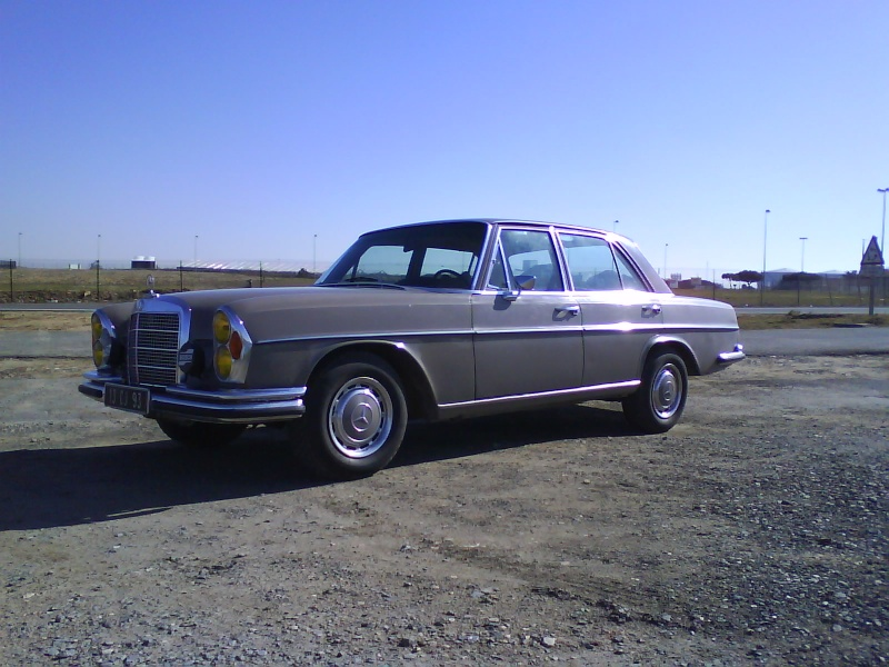 mercedes 280 se et 300 sel la rochelle. Black Bedroom Furniture Sets. Home Design Ideas