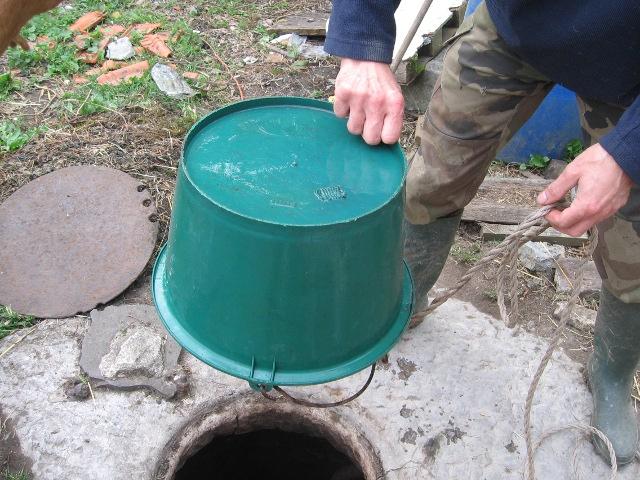 Tirer de l 39 eau d 39 un puit for Technique pour creuser puit